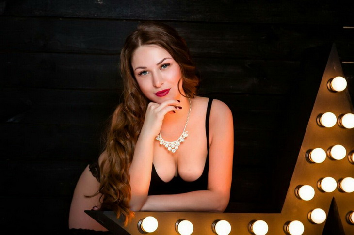 See and meet the Escort in Istanbul girl Anjelika who is offering you nothing less but firm breasts of 3rd size and frankness to the last minute
