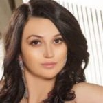 Escort services Istanbul girl gives a close-up of her face, showing how perfect she may be